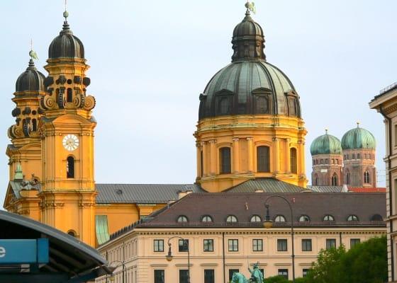Theatinerkirche, Frauenkirche, München,Sehenswürdigkeit, Reiseführer, Reisetipps, Highlights, Rundgang, Sightseeing, Stadtplan