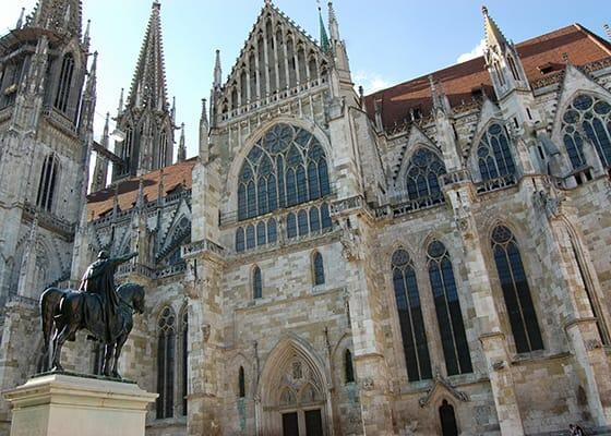 Dom, Weltkulturerbe, Haidplatz ,Regensburg, Altstadt, Sehenswürdigkeit, Reiseführer, Reisetipps, Highlights, Rundgang, Sightseeing, Stadtplan, Thurn und Taxis